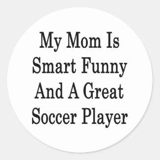 Mi mamá es divertida elegante y gran jugador de pegatina redonda