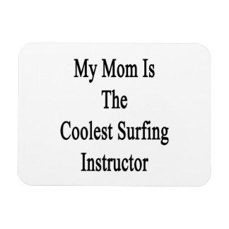 Mi mamá es el instructor que practica surf más fre iman flexible