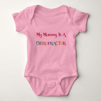 Mi mamá es una camiseta del Chiropractor Mameluco De Bebé