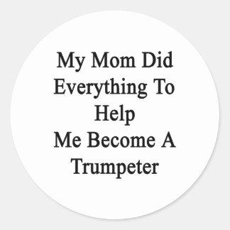 Mi mamá hizo todo para ayudarme a hacer un etiquetas redondas