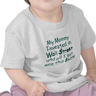 Mi mamá invertida en Wall Street Camiseta