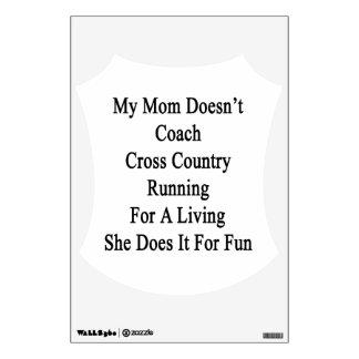 Mi mamá no entrena el campo a través que corre par