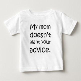 Mi mamá no quiere su consejo playera de bebé