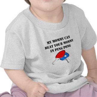 Mi mamá puede batir a su mamá en ping-pong camisetas