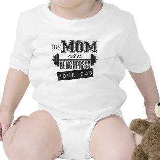 Mi mamá puede prensa de banco onsiee del bebé de camiseta