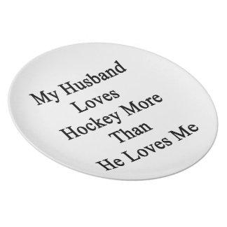 Mi marido ama hockey más que él me ama plato de cena