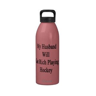 Mi marido conseguirá rico jugando a hockey botallas de agua