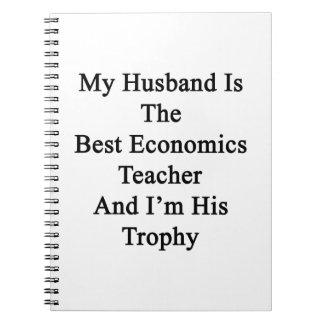 Mi marido es el mejor profesor de la economía y notebook