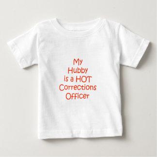 Mi marido es oficial de correcciones caliente poleras