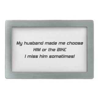 Mi marido hizo que elige lo o a la Srta H de la b