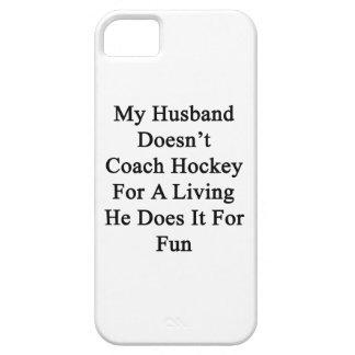 Mi marido no entrena el hockey para la vida de A q iPhone 5 Case-Mate Protectores
