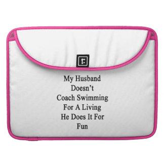 Mi marido no entrena la natación para la vida de A Funda Para Macbook Pro