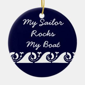 Mi marinero oscila mi barco adorno redondo de cerámica
