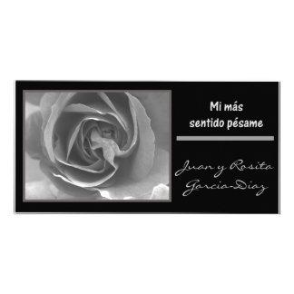 Mi mas sentido pesame espanol black white rose picture card