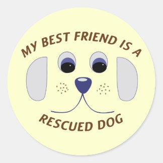 Mi mejor amigo es un perro rescatado pegatinas redondas