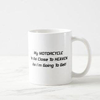 Mi motocicleta está tan cerca al cielo como Im que Taza