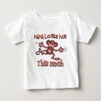 Mi Nana me ama este mucho Tee Shirts