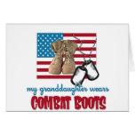 Mi nieta lleva botas de combate tarjeta