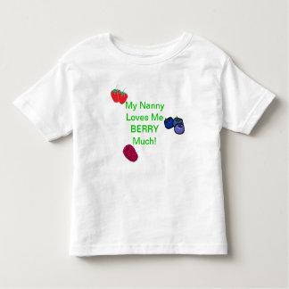 ¡Mi niñera me ama baya mucho! Camiseta del niño Playeras