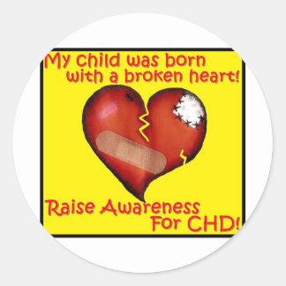 Mi niño nació con un corazón quebrado pegatinas redondas