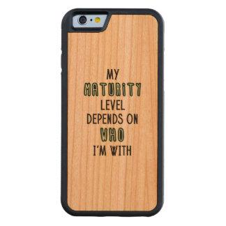 Mi nivel de la madurez depende con de quién estoy funda de iPhone 6 bumper cerezo