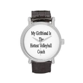 Mi novia es el coche más caliente del voleibol reloj