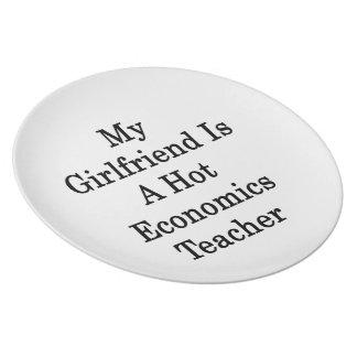 Mi novia es profesor caliente de la economía platos para fiestas