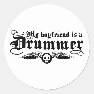 Mi novio es batería pegatina redonda