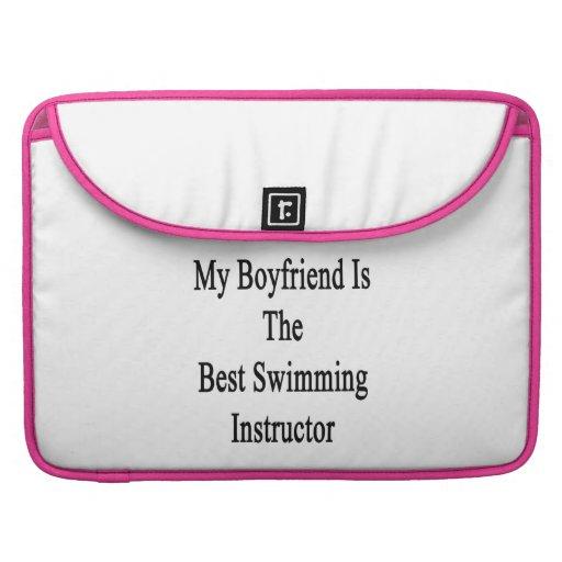 Mi novio es el mejor instructor de la natación funda macbook pro