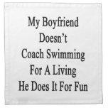 Mi novio no entrena la natación para un H vivo Servilletas Imprimidas