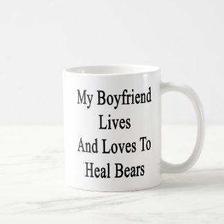 Mi novio vive y ama curar osos taza de café