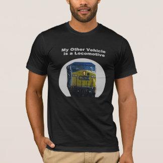 Mi otro vehículo es una camiseta locomotora