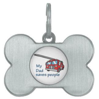 Mi papá ahorra a gente placa de mascota