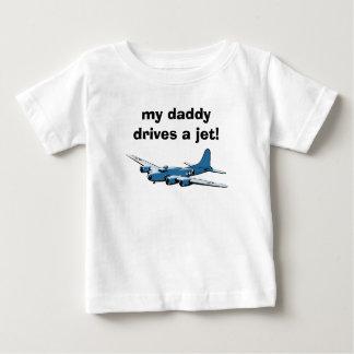 ¡mi papá conduce un jet! playera de bebé