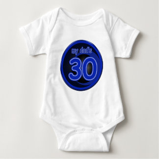 Mi papá es 30 tshirts