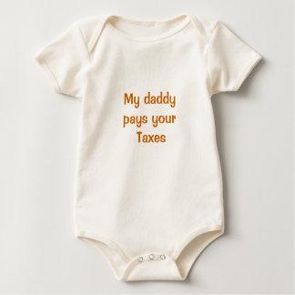 Mi papá paga sus impuestos enterito