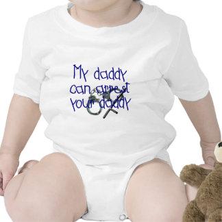 Mi papá puede arrestar a su papá camiseta