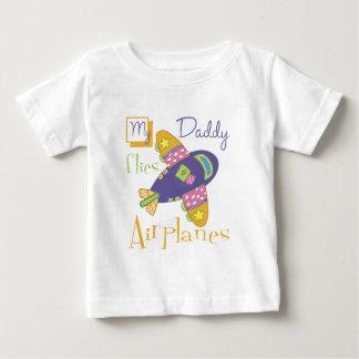 Mi papá vuela los aeroplanos playera de bebé