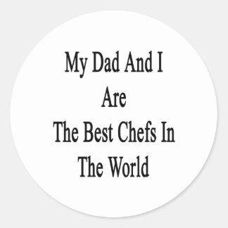 Mi papá y yo somos los mejores cocineros del mundo pegatina redonda