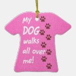 Mi perro camina por todo mí - las impresiones rosa ornamento de reyes magos