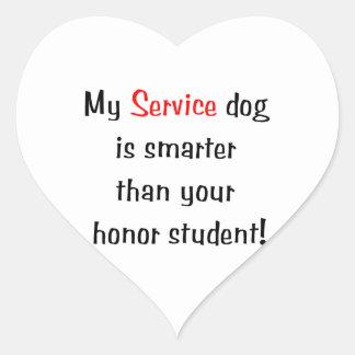 Mi perro del servicio es más elegante que su pegatina en forma de corazón