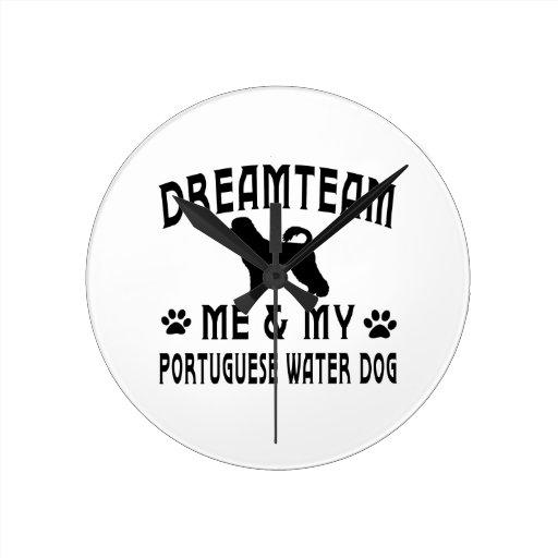 Mi perro portugués del perro de agua relojes de pared