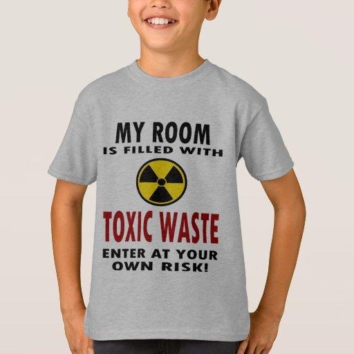 Mi sitio se llena de la basura tóxica playera