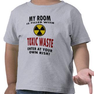 Mi sitio se llena de la basura tóxica camiseta