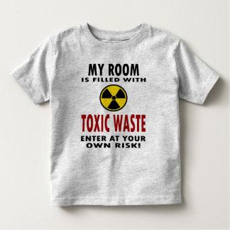 Mi sitio se llena de la basura tóxica playeras