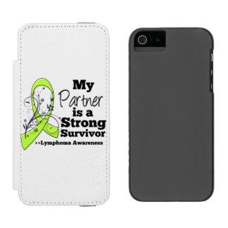 Mi socio es un superviviente fuerte del linfoma funda billetera para iPhone 5 watson