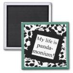 Mi vida es panda-monium iman de frigorífico