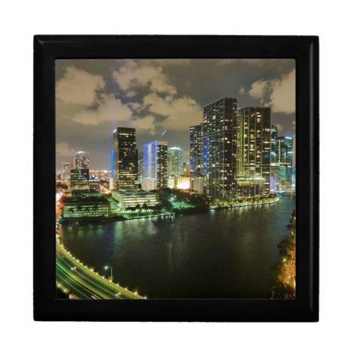 Miami en la noche caja de joyas
