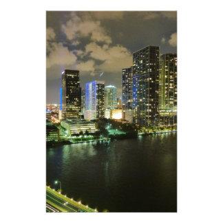 Miami en la noche papelería