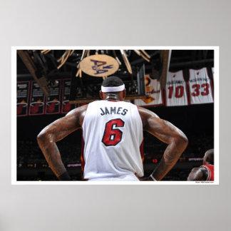 MIAMI, FL - 22 DE MAYO:  LeBron James #6 de los 2 Póster